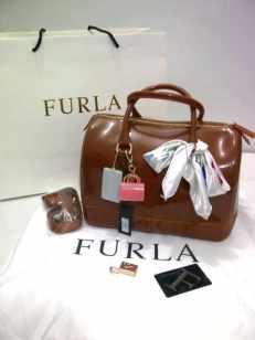 450rb; Furla Candy Semi Ori 566; 30x18x21cm.