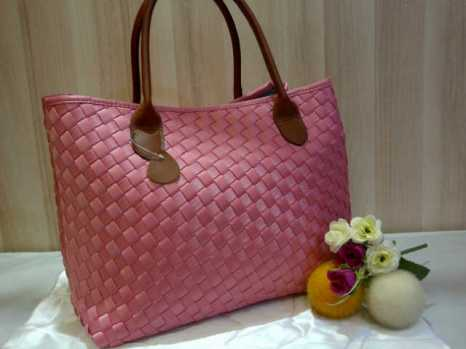 Sale Maribel Semi Ori bahan polyester gagang kulit asli 35x28x19 baby pink 300rb