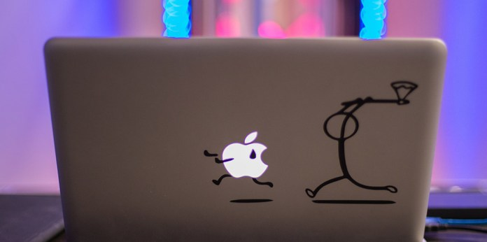 Ordenador Apple atacado