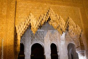 Alhambra by night: patio of lions