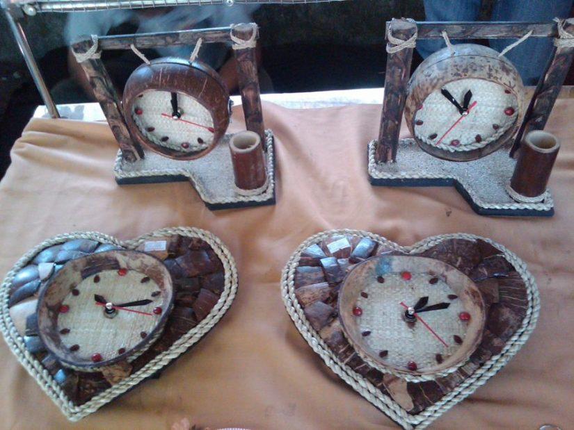 jam kerajinan dari batok kelapa