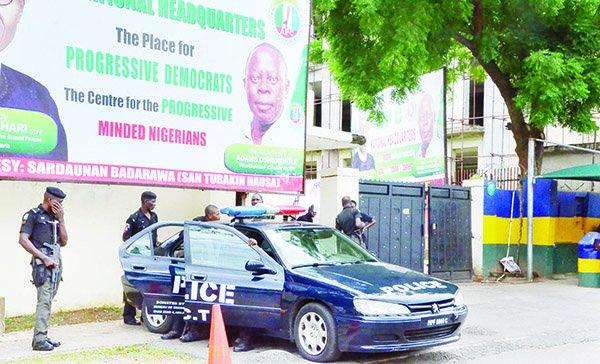 Again! Police seals off APC National Secretariat in Abuja