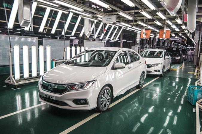 Vietnam's automobile import down 29.7% in 5 months
