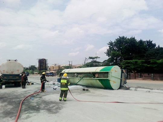Petrol Tanker falls in Lagos
