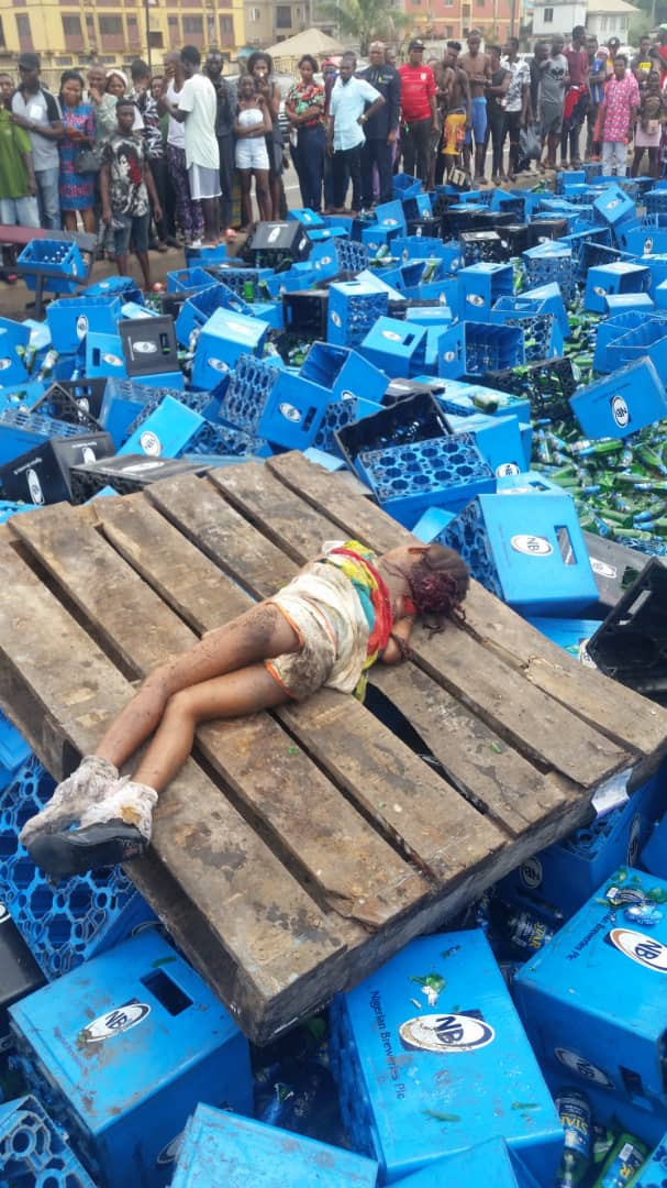 3-yr old, mum, others survive, as truck with liquor fall in Lagos