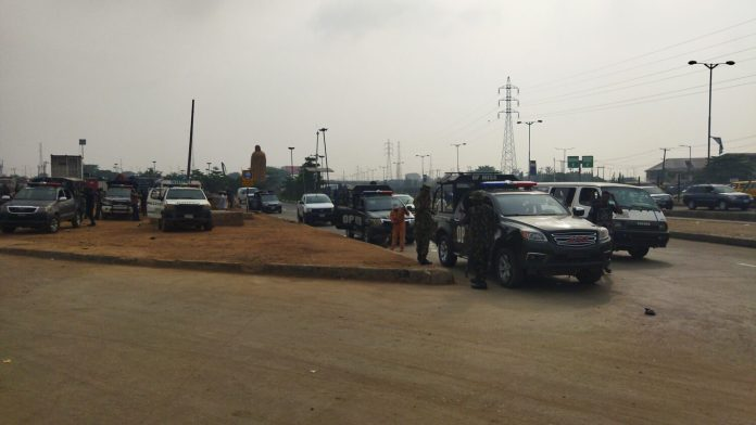 9am: Police presence at Ojota