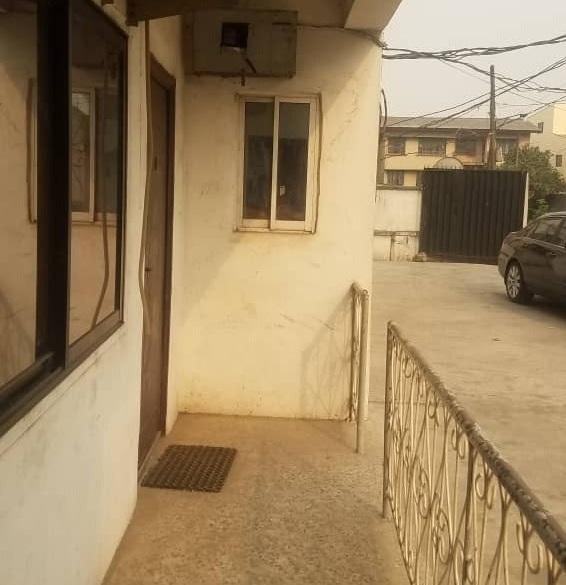 2 BEDROOM FLAT OFFICE SPACE FOR RENT IN OBANIKORO, LAGOS