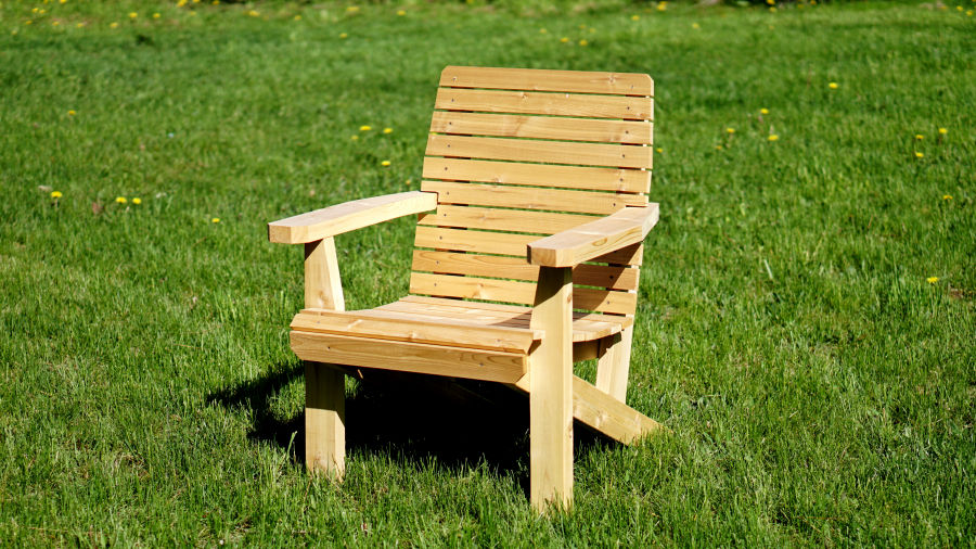 how to make a wooden beach chair reclining office with ottoman cedar deck ibuildit ca lawn