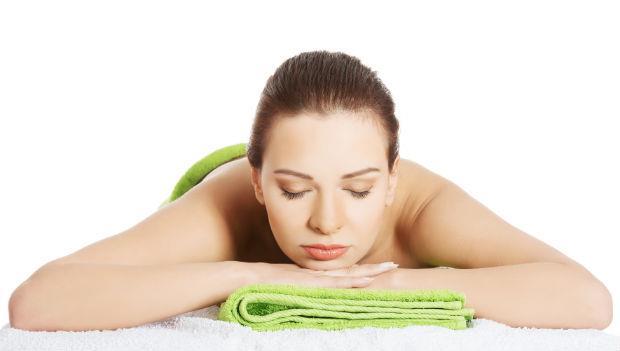 一條毛巾治好痠痛!神奇熱敷法:肩頸痛、腰痠、腳麻有救了!-非讀BOOK-良醫健康網