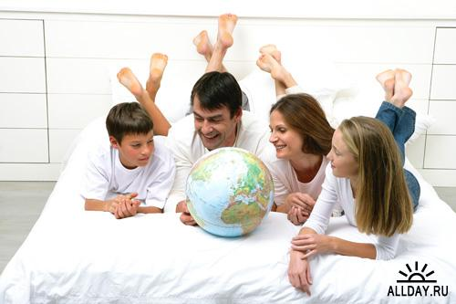 1246135375_hq-happy_family-37prevyu