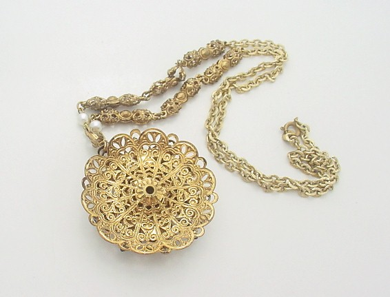 1486a_west_germany_necklace3