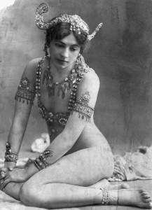 A-Portrait-of-Mata-Hari-c-001