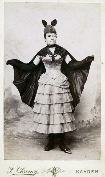 Old Halloween Costumes From Between the 1900's to 1920's (5)