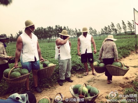 woman-carrying-watermelons