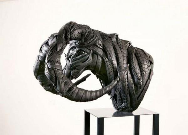 skulptury_iz_pokryshek_Koreya_03