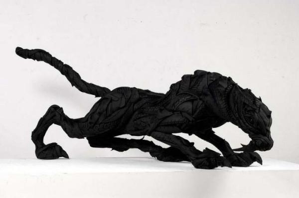 skulptury_iz_pokryshek_Koreya_05