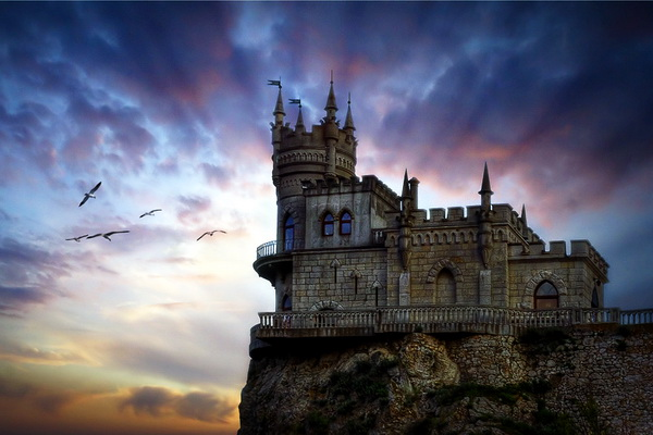 Swallow's Nest - Unusual Houses