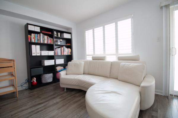 770 Othello - Living Area