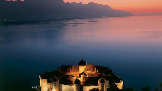 legjobb találkozó helyek svájcban eredeti életrajz társkereső