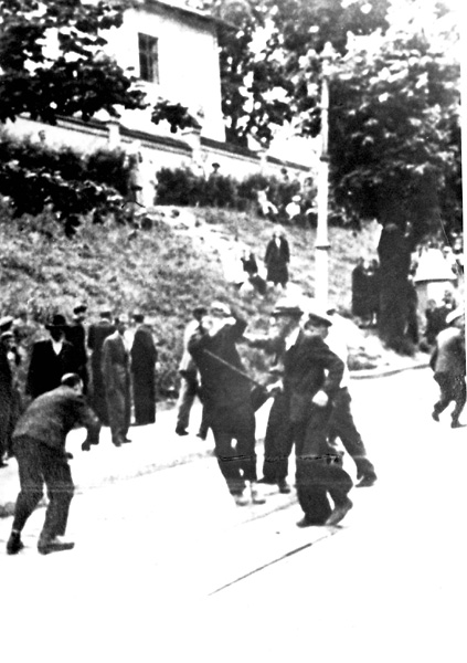 Львов Ул. Коперника, возле тюрьмы на Лонцкого и перекрёстка с ул.Сапегов