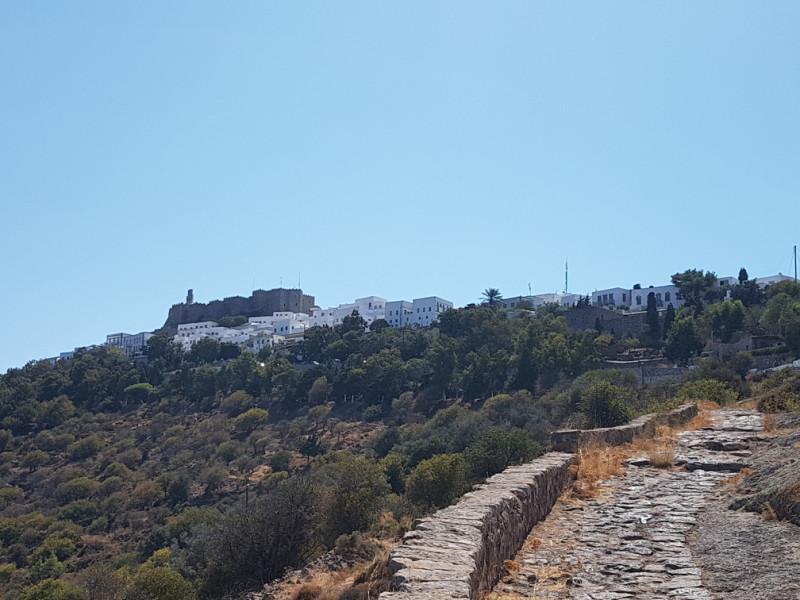 Дорога из пещеры в селение Хора