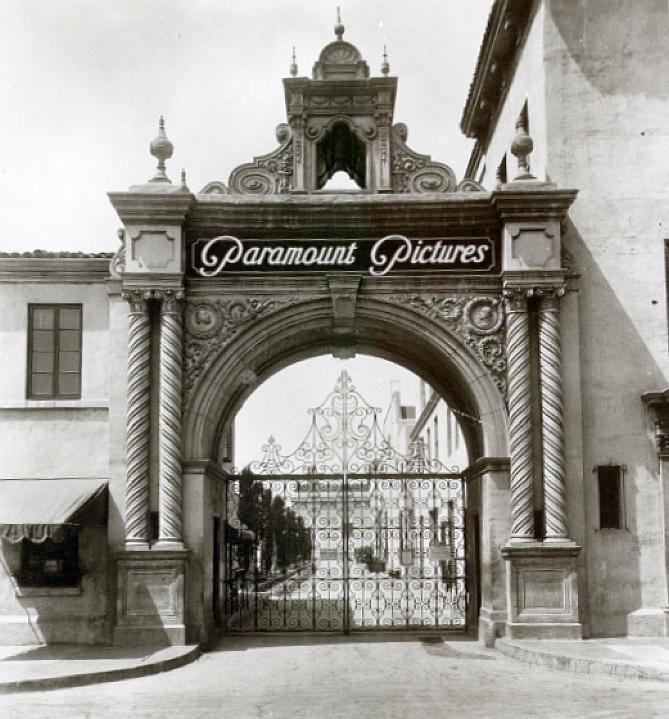 paramount 1926a bronson avenue gate