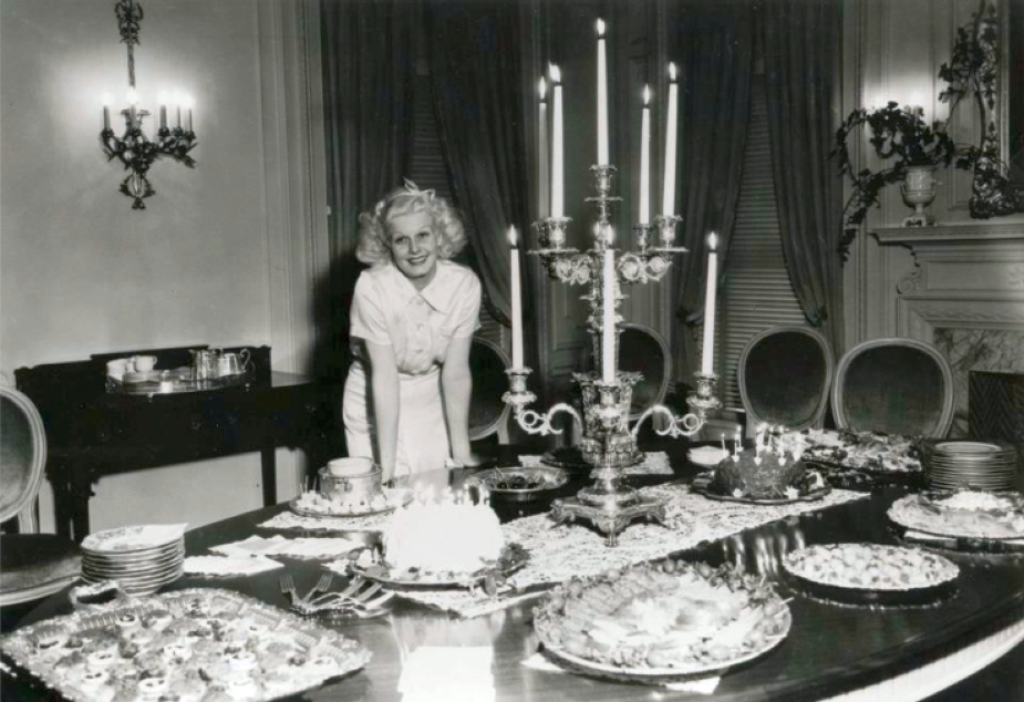 christmas jean harlow dinner 00a