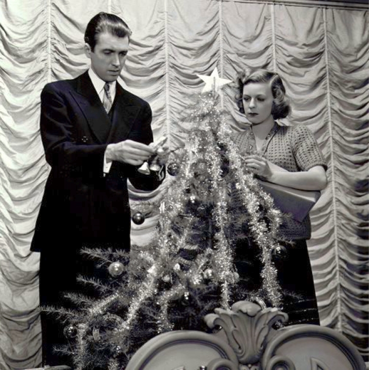 christmas james stewart margaret sullavan the shop around the corner 00