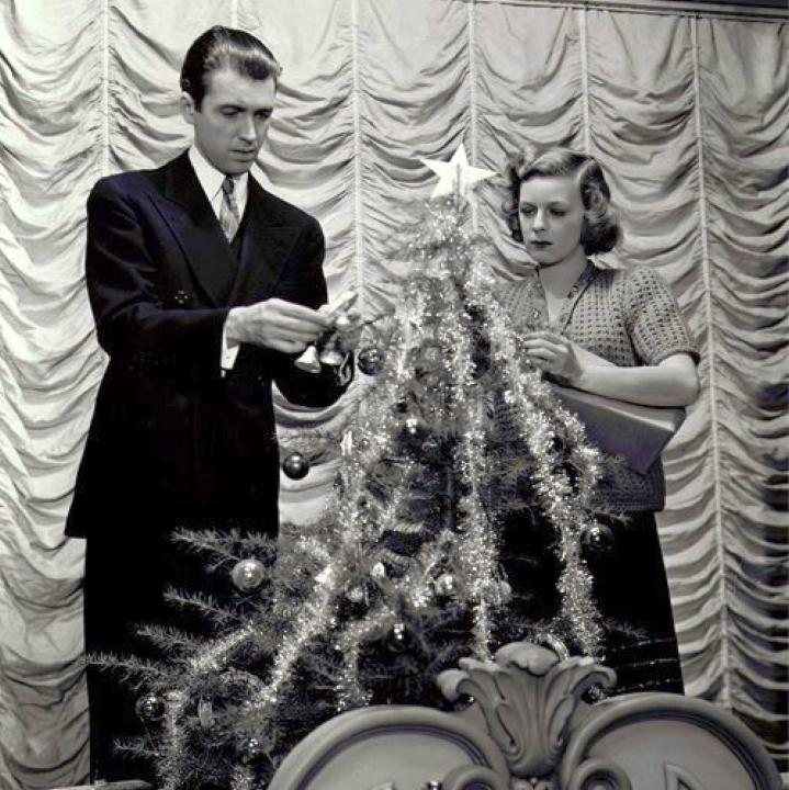christmas james stewart margaret sullavan the shop around the corner 00