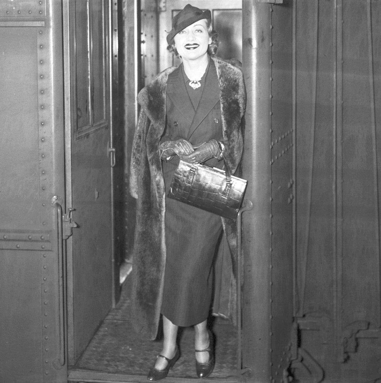 carole lombard 1935 new york train larger