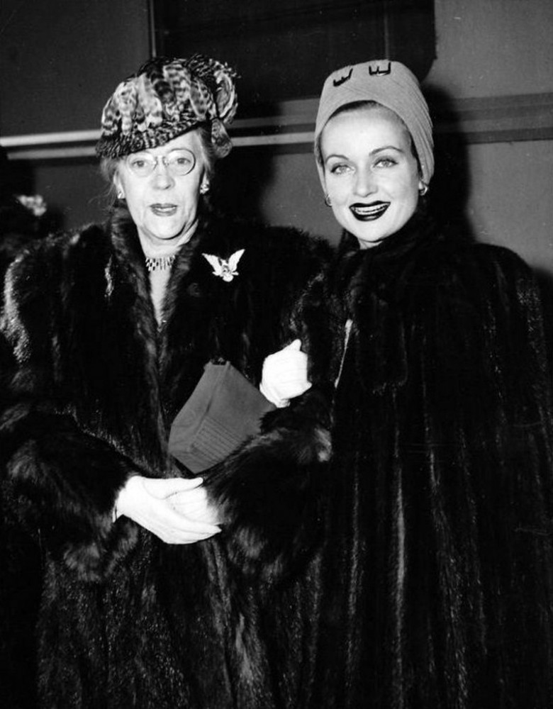 carole lombard 011442 with mother chicago