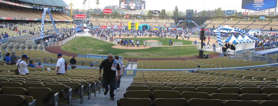 013115 dodger stadium fanfest 14a