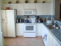 White Kitchen Cabinets With White Appliances | Car ...