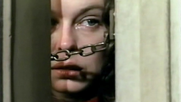 Sandy Dennis stars in Steven Spielberg's TV horror movie SOMETHING EVIL (1972)