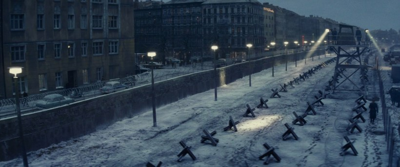 BridgeOfSpies_BerlinWall