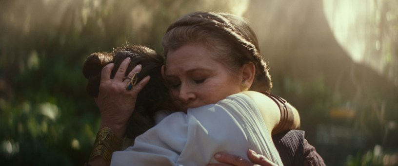 General Leia Organa (Carrie Fisher) and Rey (Daisy Ridley) in STAR WARS: THE RISE OF SKYWALKER.