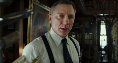 Daniel Craig co-stars in the murder mystery KNIVES OUT (2019)