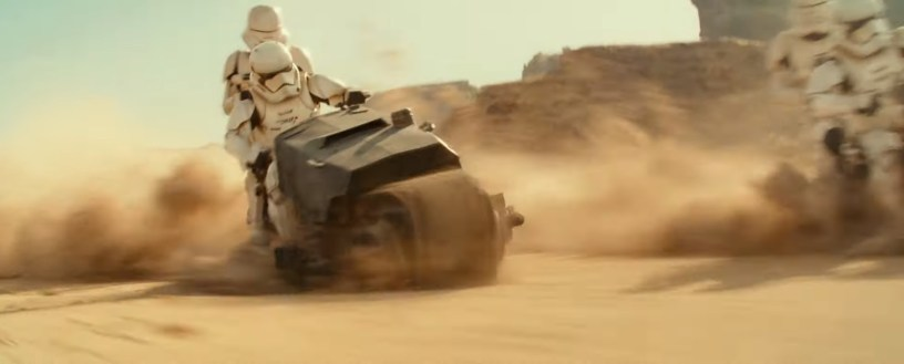 Stormtroopers in pursuit on a sand motorbike in STAR WARS: THE RISE OF SKYWALKER (2019)