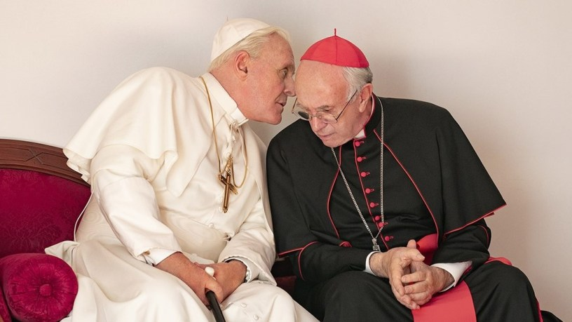 Anthony Hopkins (Pope Benedict XVI) and Jonathan Pryce (Pope Francis) star in the Netflix drama THE TWO POPES (2019)