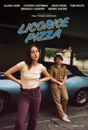 Official Movie Poster for director Paul Thomas Anderson's LICORICE PIZZA (2021)