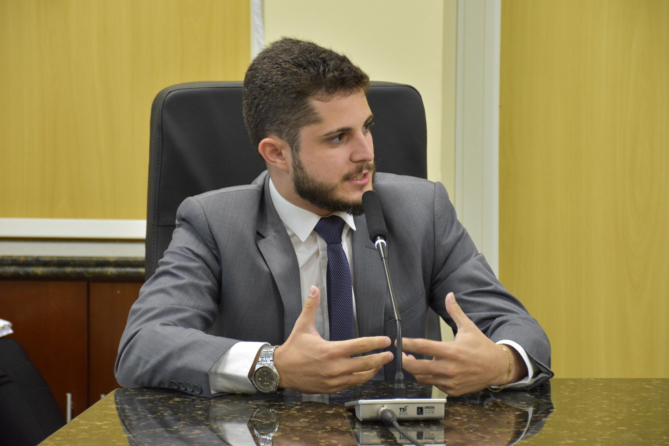 Ícaro reforça pedido de investigação do processo de concessão à Águas de Sinop