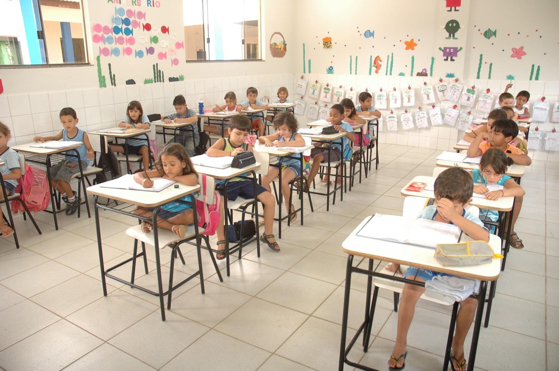 Vereador é convidado a conhecer instalações da Escola Municipal Rodrigo Damasceno