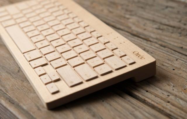 teclado inalámbrico de madera diseñado por Orée