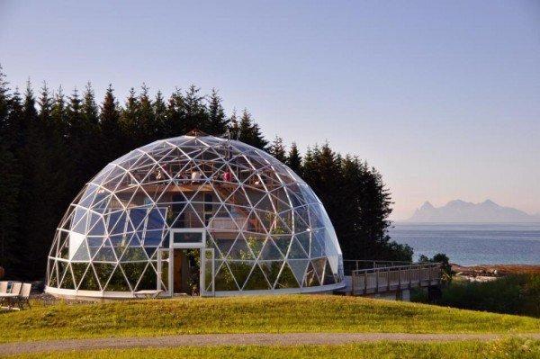 casa domo solar en el circulo polar artico