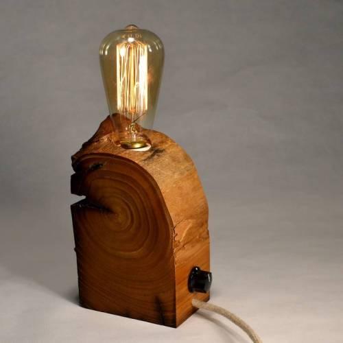lámpara de madera reciclada