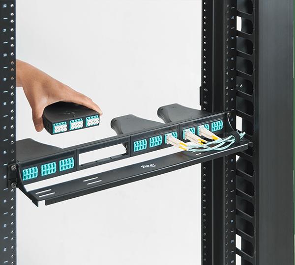 Configurable Fiber Patch Panel with LC-MPO Cassettes