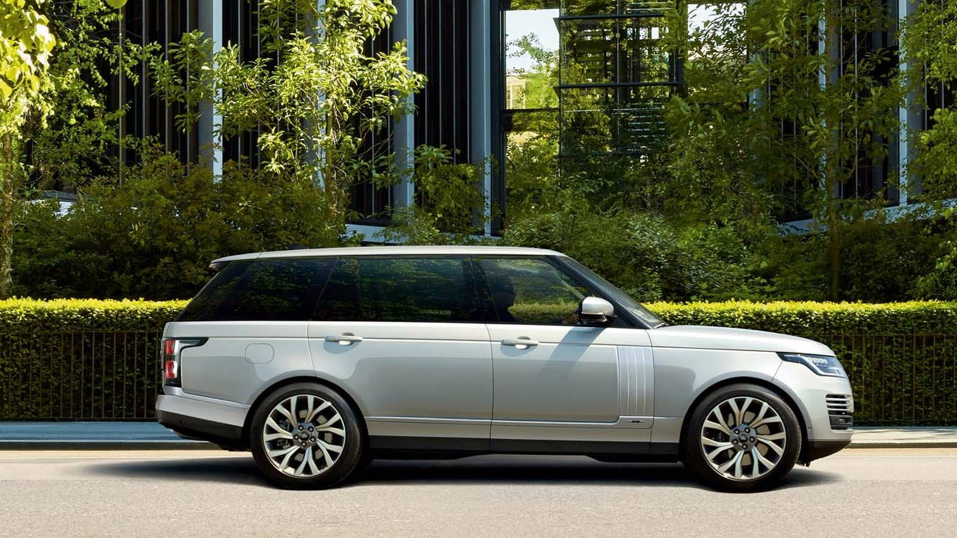 """Range Rover Sport PHEV Is A """"Big Step"""" Forward For Land Rover"""