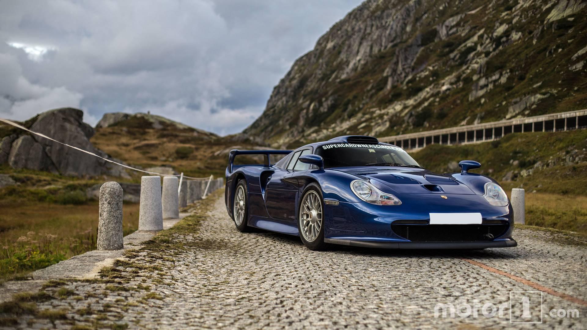 Drag Car 4k Wallpaper Porsche 911 Gt1 Poses In The Alps