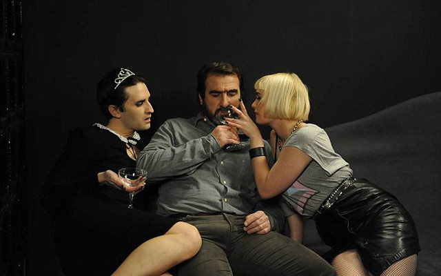 Switch (eric cantona, karine vanasse) hos tradera! Video Man United Legend Eric Cantona To Play The Stallion In Controversial Film Based On An Orgy Caughtoffside