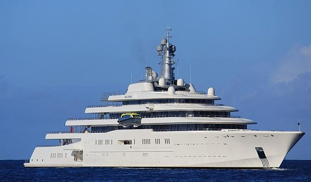 (Image Gallery) Chelsea Owner Roman Abramovich's Stunning $1.5bn Yacht | CaughtOffside